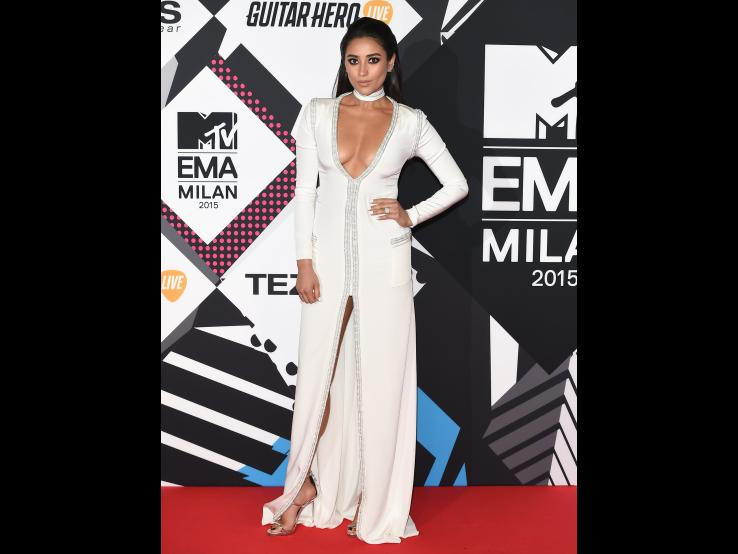 ShayMitchell_GettyImages-494235046-3x4