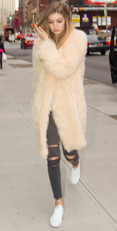 Gigi Hadid Spotted Arriving to Her Apartment