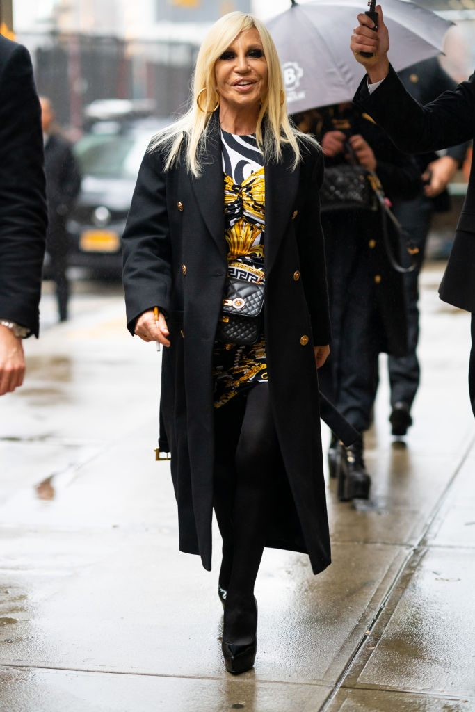 hailey baldwin versace